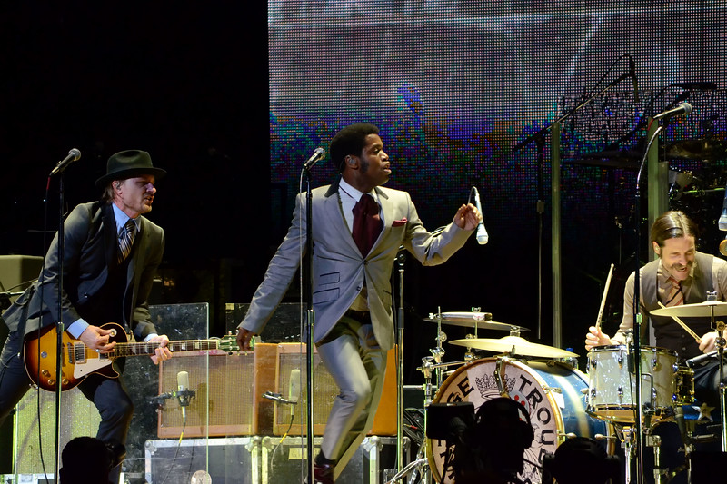 the who and vintage trouble 014.JPG