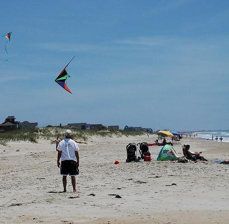 flying_kites_2.jpg