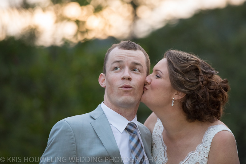 Copywrite Kris Houweling Wedding Samples 1-147.jpg