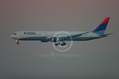 Delta Airline Boeing 767 Airliner Pictures