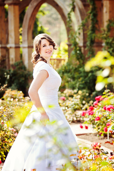 11-Bridals-Holly