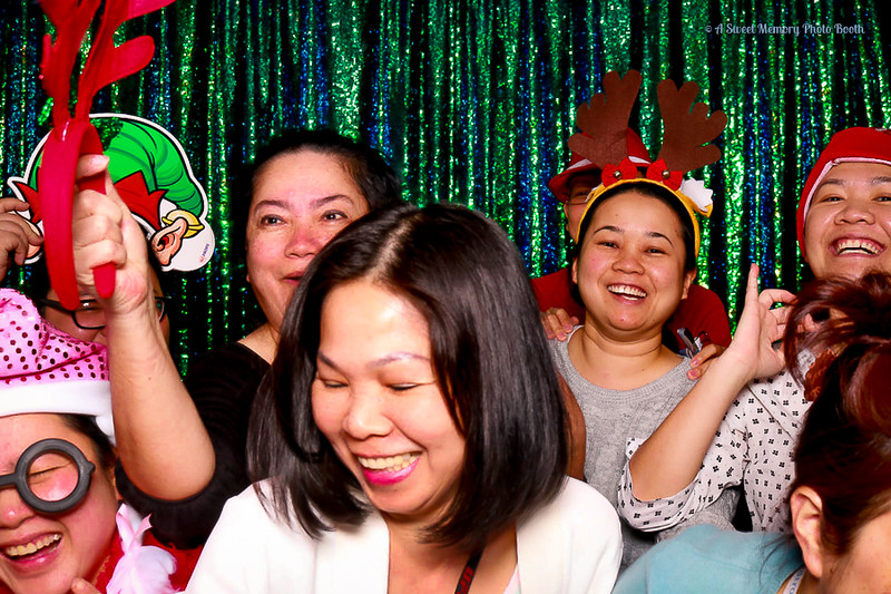 Medtronic Holiday Party -399.jpg