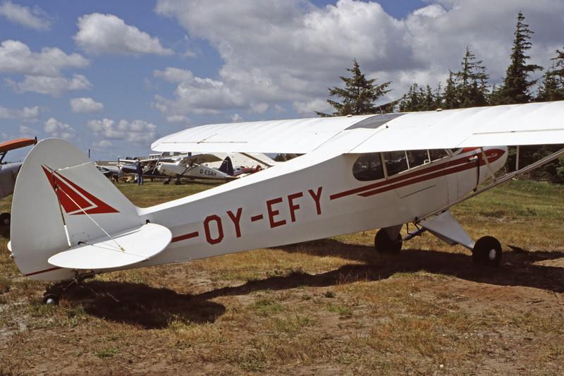 OY-EFY-PiperPA-18-150SuperCub-Private-EKVJ-1998-06-13-FC-21-KBVPCollection.jpg