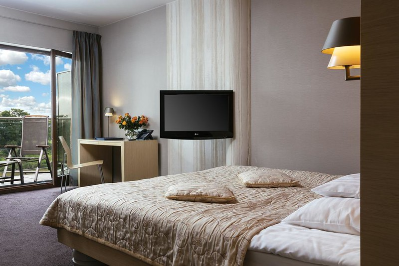 niebieski-art-hotel-spa-krawkow2.jpg