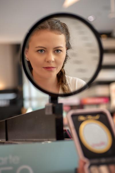 Pflum Sephora mirror II.jpg
