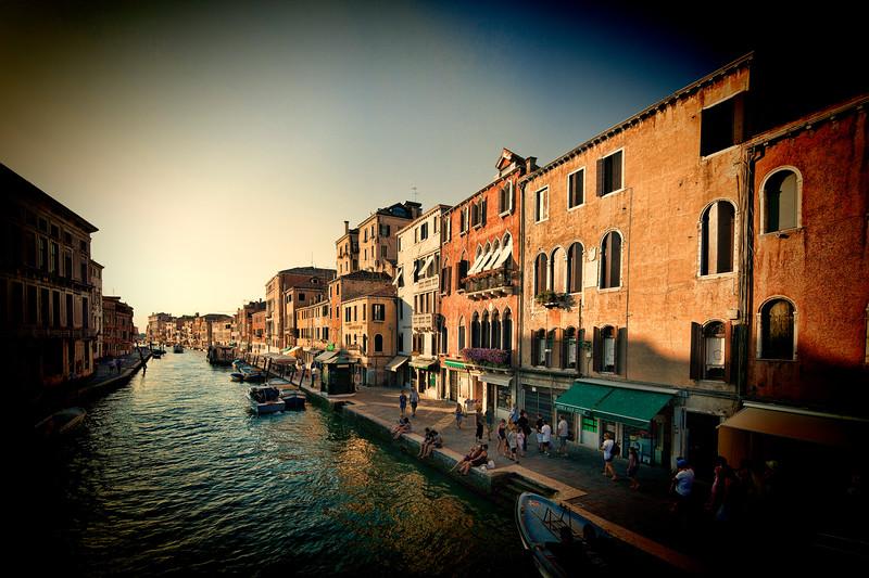 Canal of Cannaregio and Fondamente Pescheria (right) in the evening, Venice, Italy