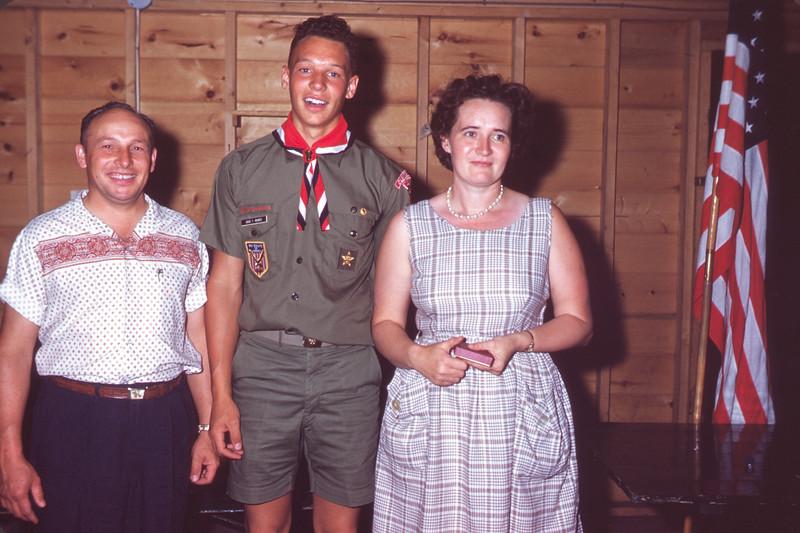 1962 - July 24. Ivan, David, & Onie Rohrer. Slide 62-886.