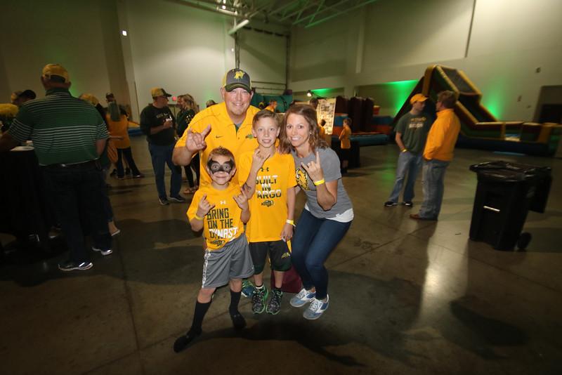 2016 Bison Tailgating - Iowa 002.JPG