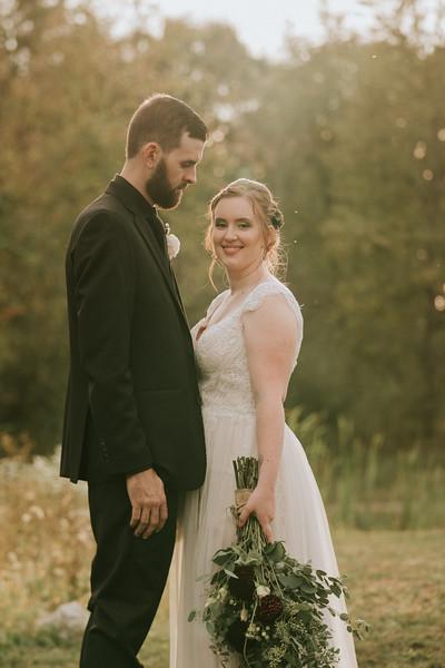 rustic_ohio__fall_barn_wedding-344.jpg