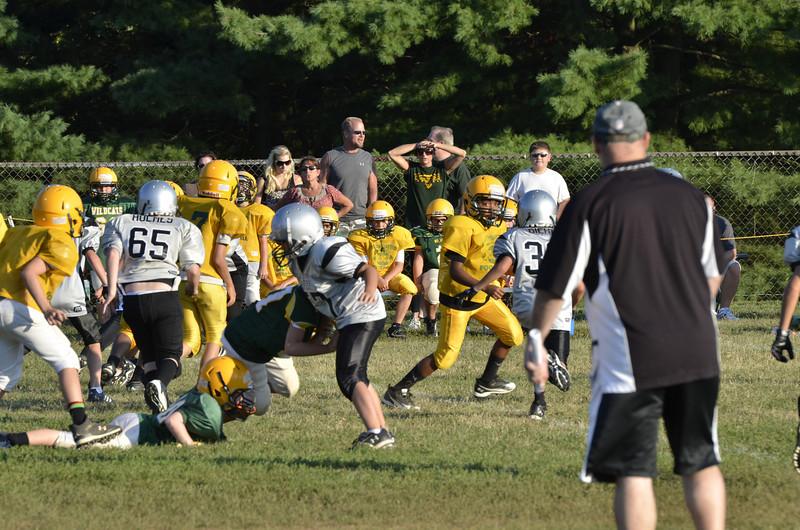 Wildcats vs Raiders Scrimmage 066.JPG