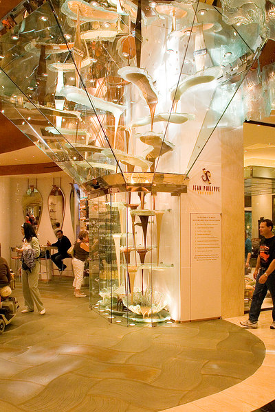 We had to check out the chocolate fountain right beside the Jean-Philippe Patisserie in the Bellagio.