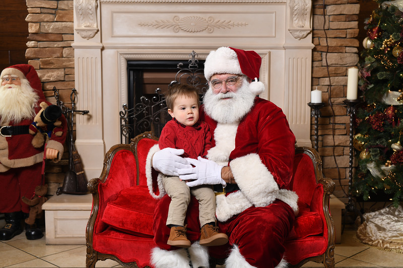Santa2018.TylerBoye.-45.jpg
