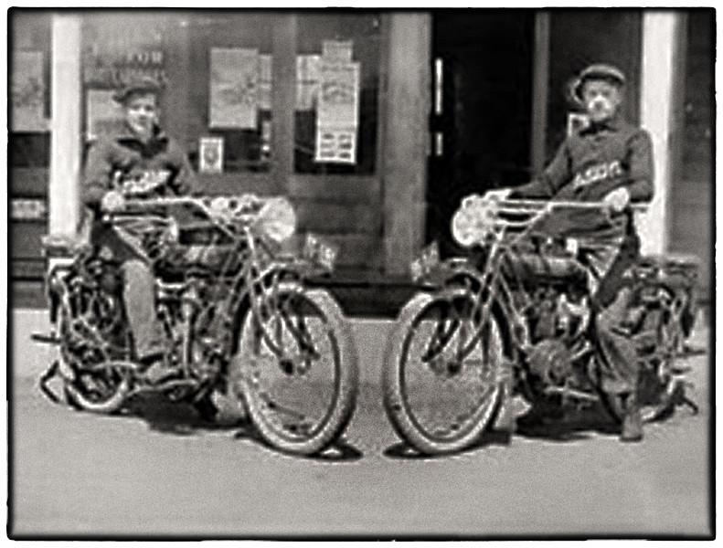 Indian motorcycles Newberg Oregon 1914 large.jpg