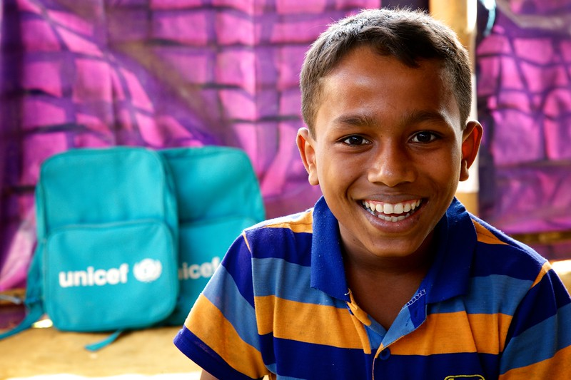 0179Yasin Arafat, a 12-year-old Rohingya refugee child, poses for photograph inside the UNICEF-supported Seabird Learning Centre at the Balukhali makeshift settlement in Ukhia, Cox's Bazar, Bangladesh.     Photo: UNICEF / b.a.sujaN/Map