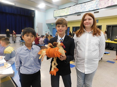 LCE Hosts a Traditional Thanksgiving Feast