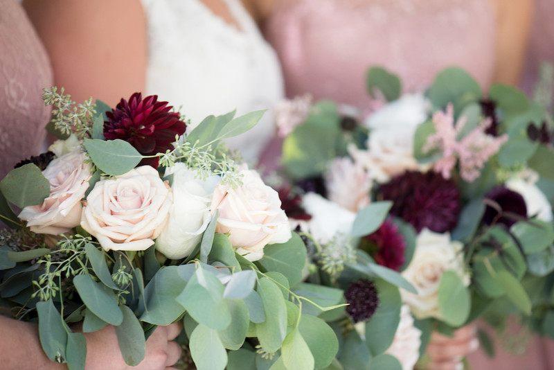 bridesmaids-flowers (27 of 28).jpg