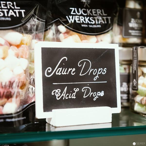 Handgemachte Herstellung von Zuckerln in der Zuckerlwerkstatt in der Herrengasse in Wien