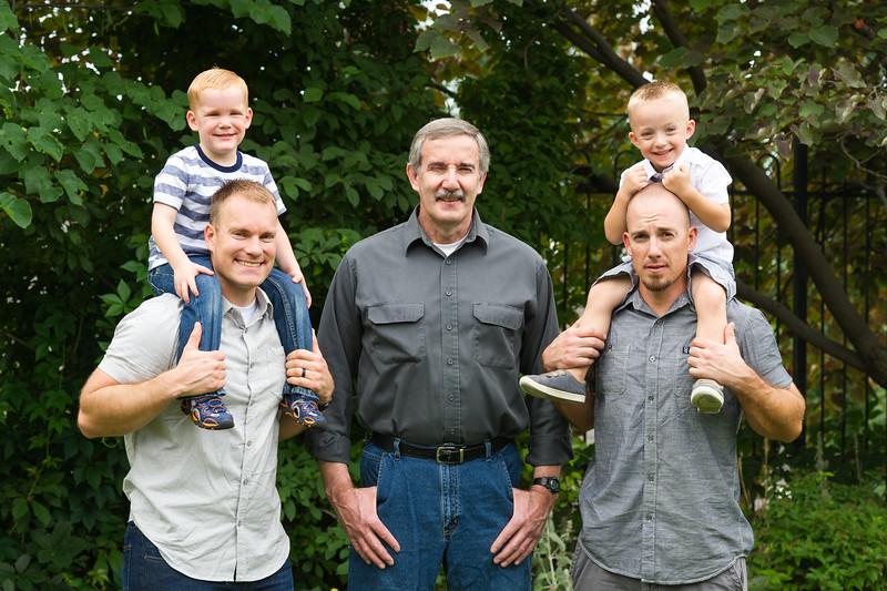 AG_2018_07_Bertele Family Portraits__D3S4016-2.jpg