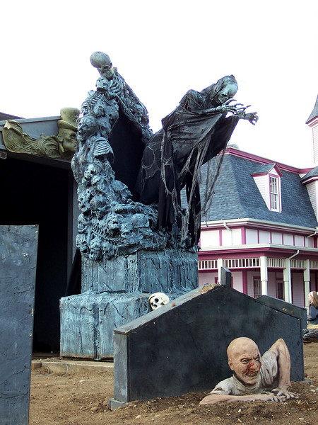 Lake Compounce was decorated for Haunted Graveyard.