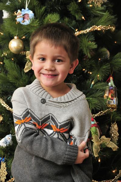 2012-12-16 Owen and Elise Christmas Card Photos 020.jpg