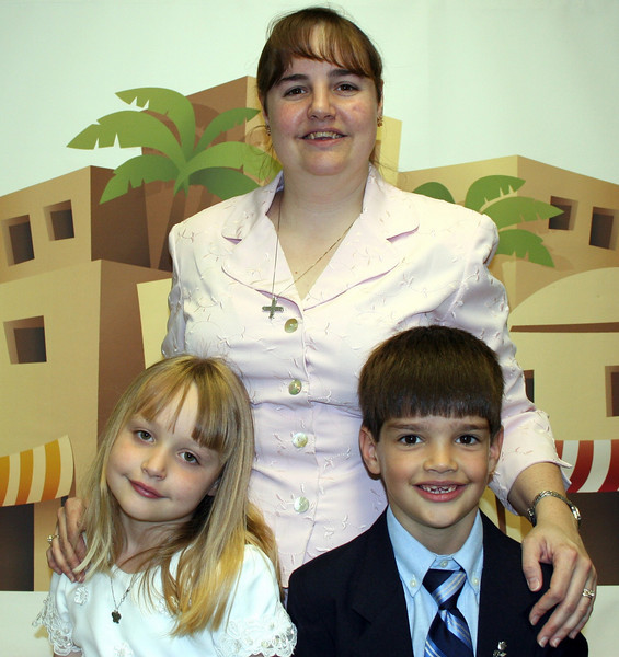 First Communion Easter 2007.jpg