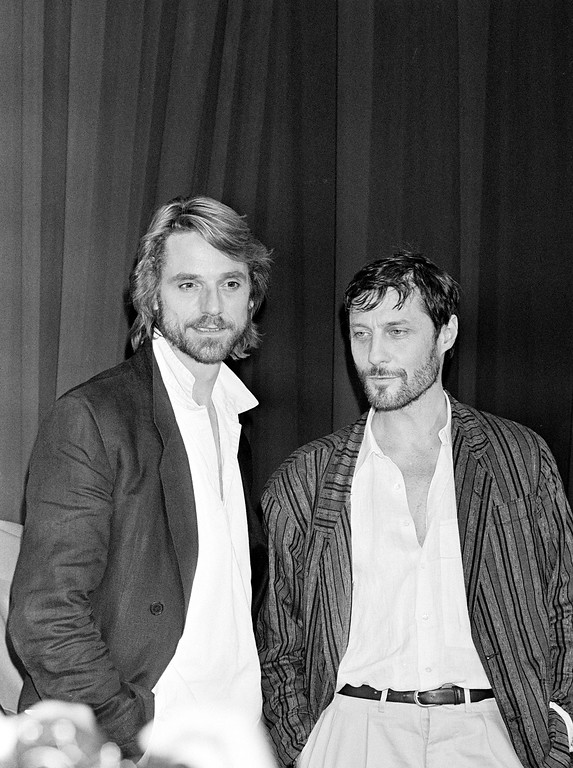 ". British film director Roland Joffe, right, is shown with British actor Jeremy Irons at the news conference for the showing of their film ""The Mission\"" at the Cannes International Film Festival in Cannes, France, on May 16, 1986. (AP Photo)"