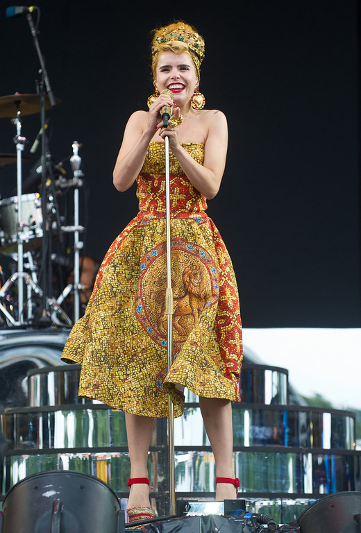. Paloma Faith performs on day 1 of the V Festival at Hylands Park on August 17, 2013 in Chelmsford, England. (Photo by Rob Harrison/Getty Images)