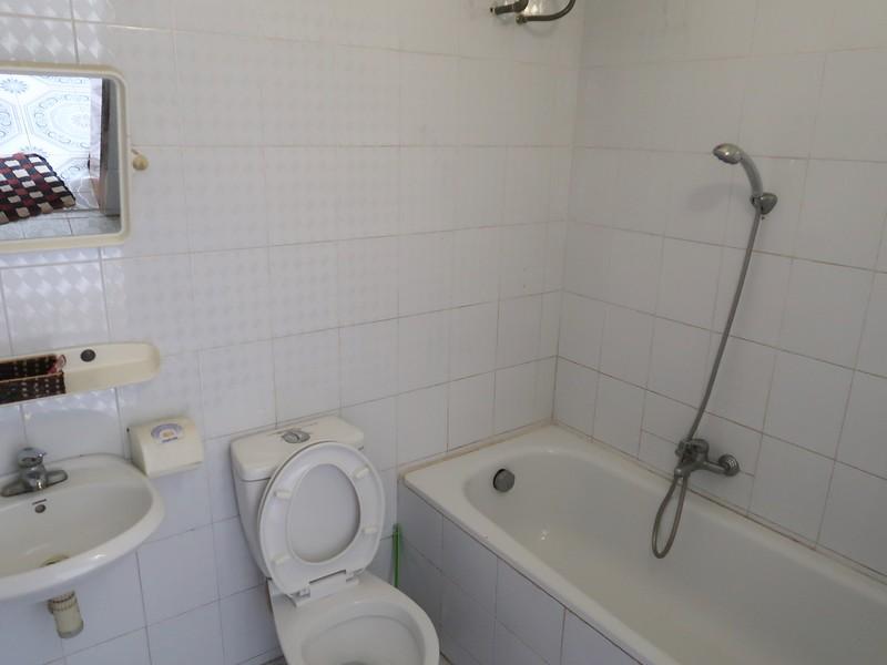 IMG_2177-homestay-bathroom.jpg