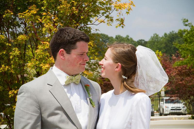 Levi & Emily-4018.jpg