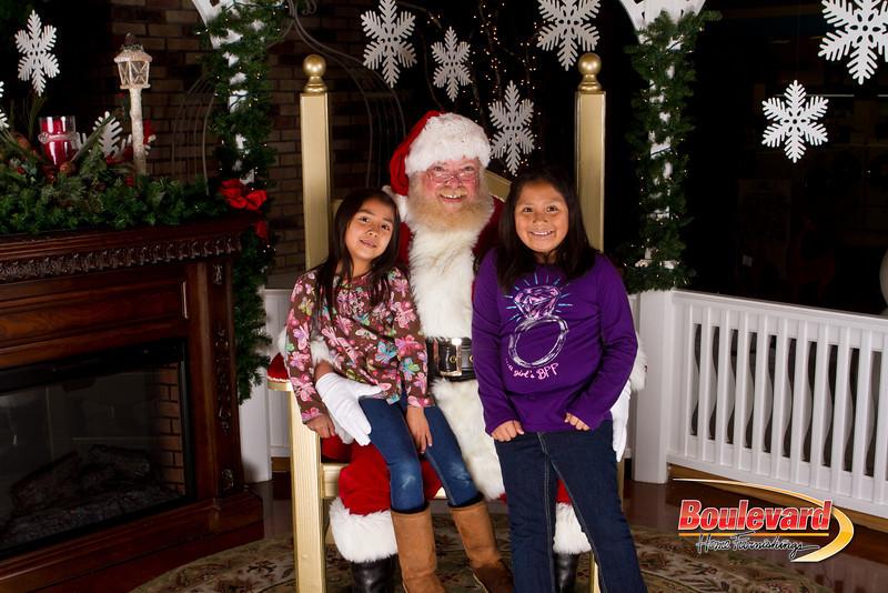 Santa Dec 15-141.jpg