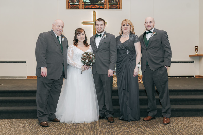 Johnna_Derek_Wedding_La_Casa_Grande_Beloit_Wisconsin_December_15_2018-202.jpg