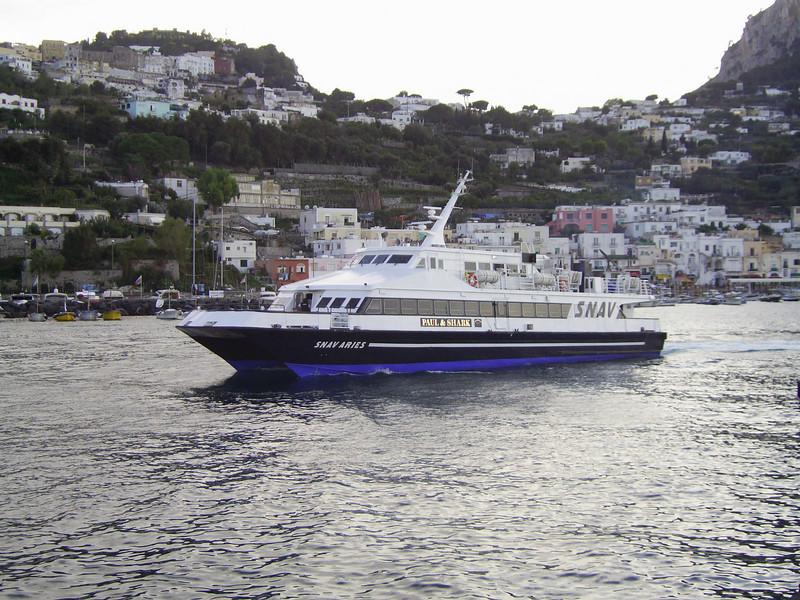 2007 - SNAV ARIES departing from Capri.