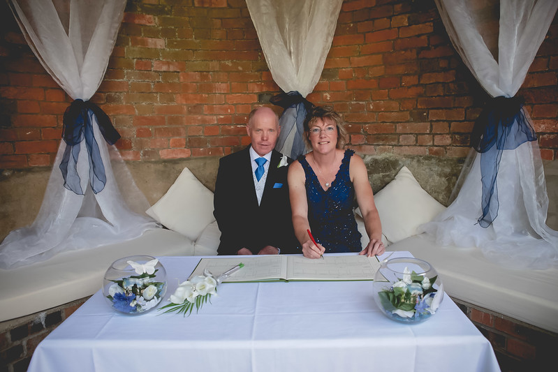 Mr and Mrs -61.jpg