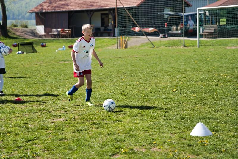 hsv-fussballschule---wochendendcamp-hannm-am-22-und-23042019-y-13_40764458573_o.jpg