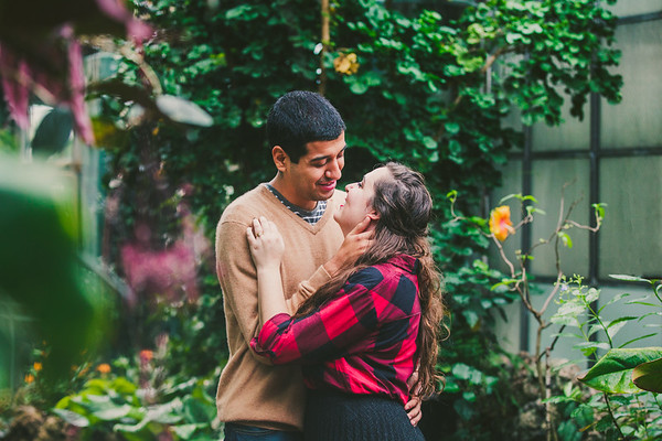 Lincoln Park Conservatory Engagement | Kaitlin + Javier