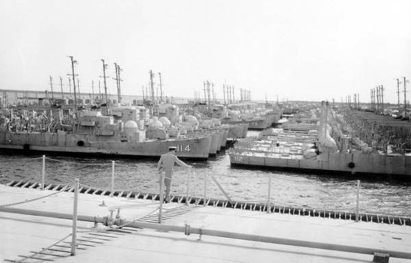 shipyards 1958.jpg