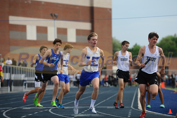 Boys' 4x800 - 2016 Oakland County HS T&F Championships
