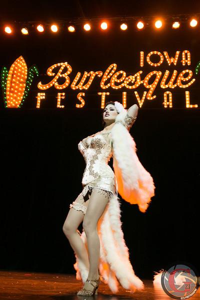 burlesque day2 edits (268 of 123).jpg