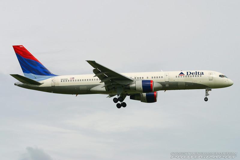 N606DL. Boeing 757-232. Delta. Orlando. 050903.