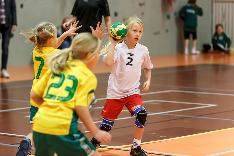 Skedsmo Jenter04 spiller håndball miniturnnering i Nannestadhallen 17. November 2012.  Kamp 2: Ull/Skisa Blå - Skedsmo1: 12-7