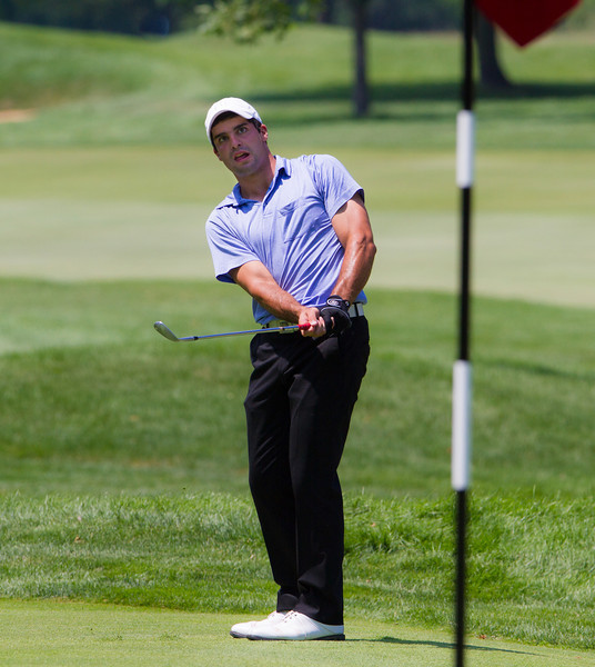 Theodore Lederhausen pitches to the 16th green during second round medal play at the 2012 Western Amateur Championship at Exmoor Country Club in Highland Park IL. on Wednesday, August 1, 2012. (WGA Photo/Charles Cherney)