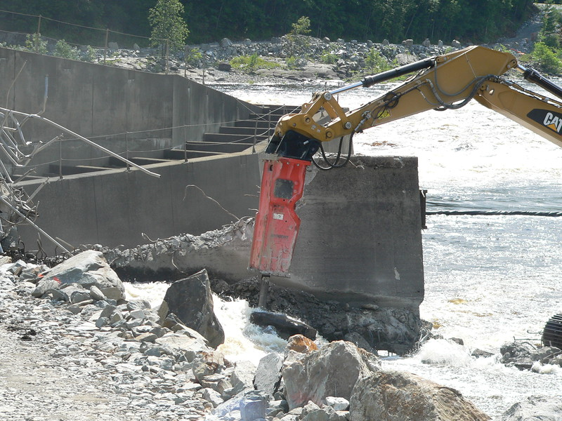 NPK GH23 hydraulic hammer on CAT excavator Maine Dam Demolition (5).JPG