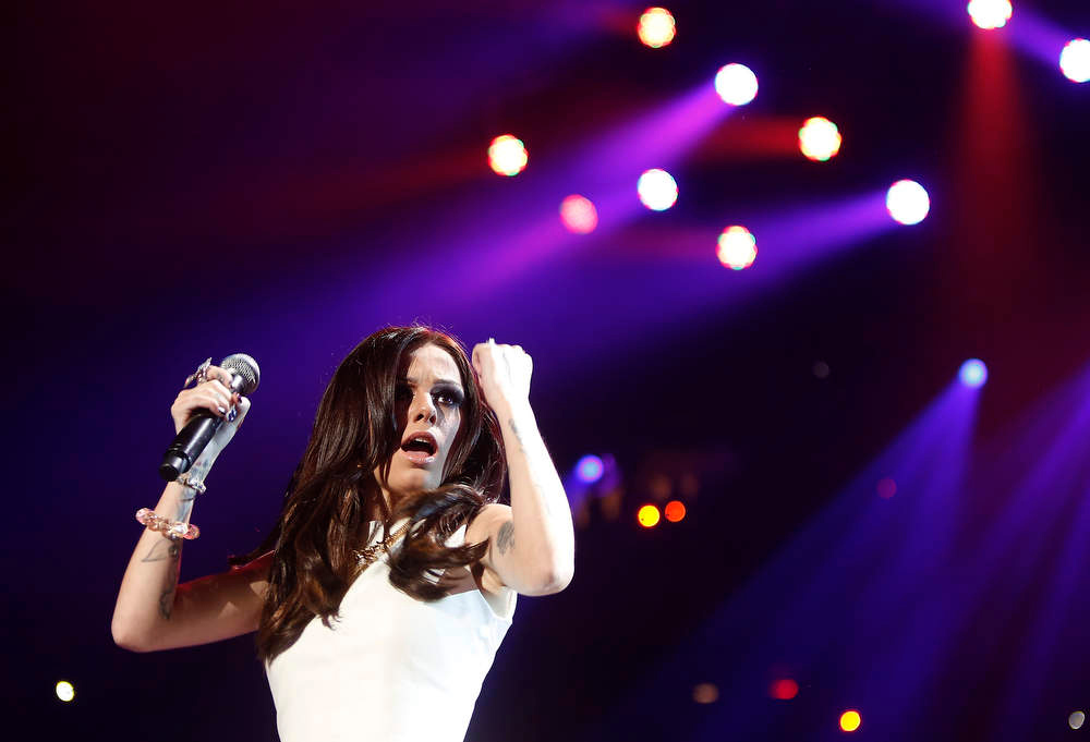 Description of . Singer Cher Lloyd performs during the Z100 Jingle Ball at Madison Square Gardens in New York December 7, 2012.    REUTERS/Carlo Allegri