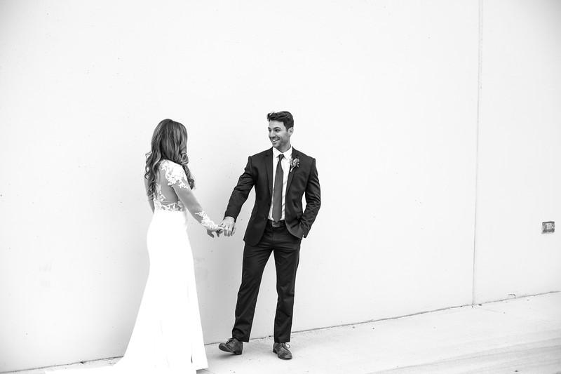 Kate&Josh_B&W_ZACH.WATHEN.PHOTOGRAPHER-195.jpg