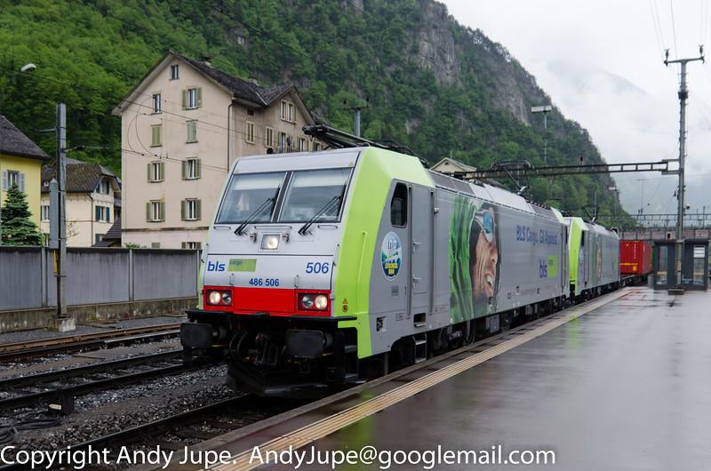 486506-9_486509-3_a_43002_Erstfeld_Switzerland_21052013.jpg