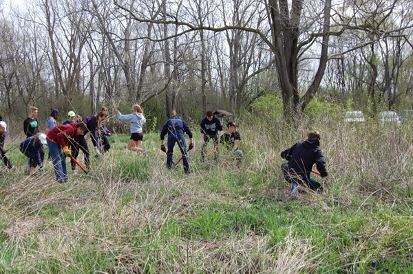 CG Track Teams Participate in Annual Community Project 2016