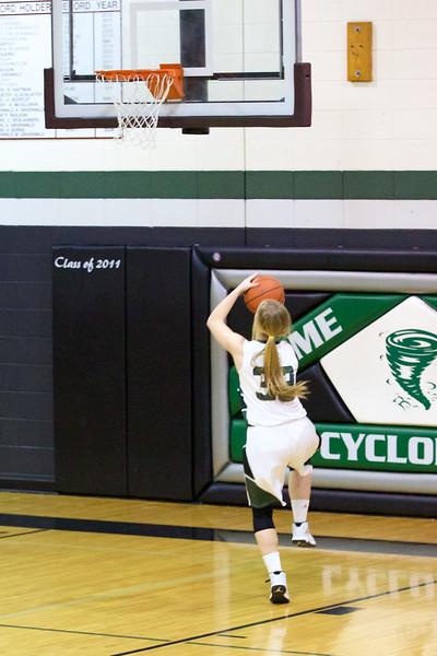 '17 Cyclones Girls Basketball 177.jpg