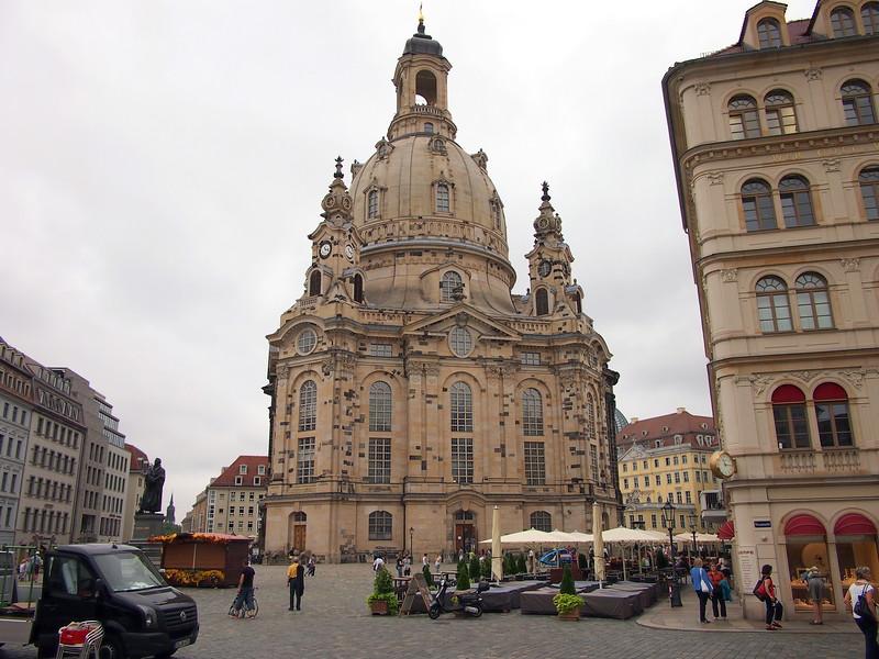 P8177398-an-der-frauenkirche.JPG