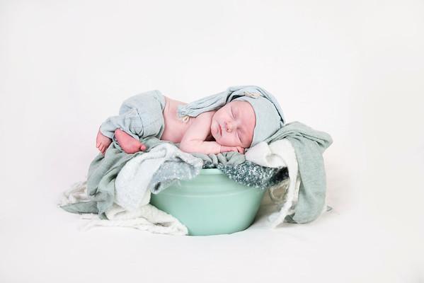 Emmett B. Newborn 2018