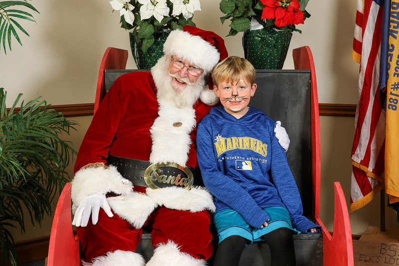 TBTP 2019 Photos with Santa-77.JPG